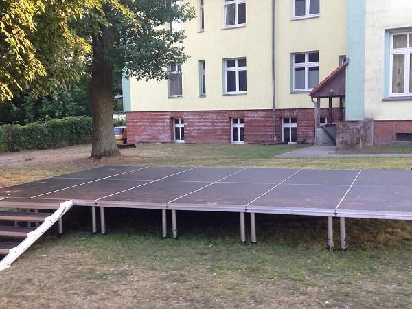 Bühne mieten 6m x 4m