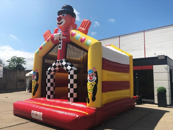 Hüpfeburg Clown