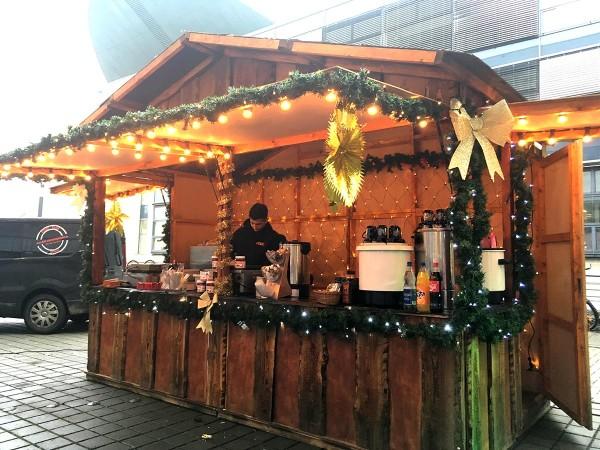 Weihnachtsmarktbude rustikal