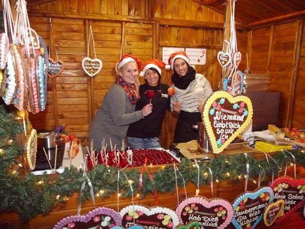 Weihnachts - Süßwarenstand