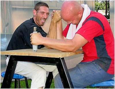 Armdrück - Tisch