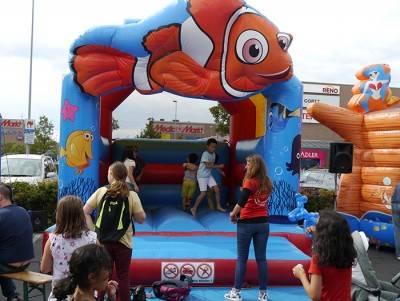 Hüpfburg Nemo