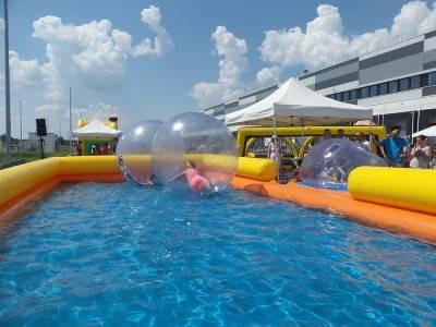 XXL Wasserbälle + Pool
