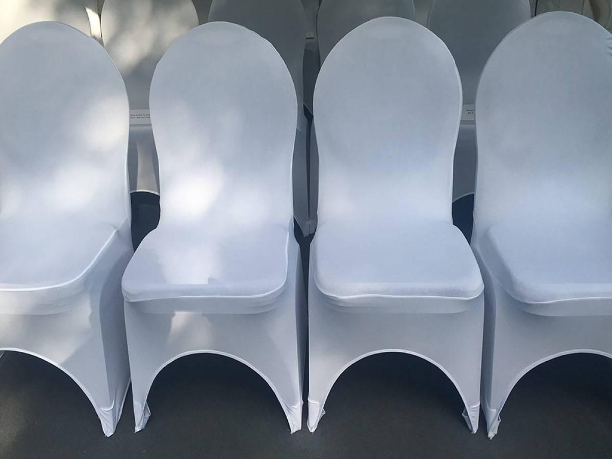 Stuhlhussen mieten Verleih von weißer Stuhlhusse